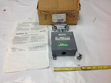 Thomas Betts FRS10 Trolley Feedrail w/Cabinet 3P Fusible 15A 250VAC/250VDC. NEW