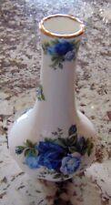 Royal Albert Rose Bud Vase --- Moonlight Roses England-1987