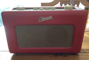 ROBERTS REVIVAL R250 AM/FM/LW RADIO IN RED