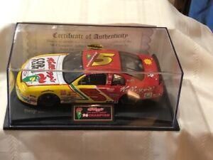 NASCAR diecast 1/24 scale #5 Terry Labonte Kellogg's 1996 Champion Monte Carlo