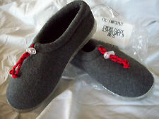 SLIPPERS  Ladies Size 9 Gray with Red Tie    NEW!  ~~~~~~ CLEARANCE SALE!!!~~~~