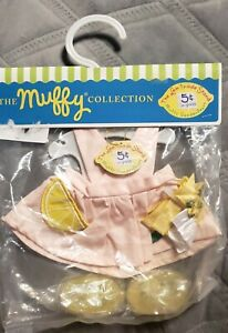 1996 NIP The Muffy Collection Lemonade Stand Outfit Vanderbear