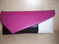Fucsia Rosa, bianco e nero in finta pelle pochette asimmetrica, fatta in UK.