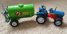 NEW RAY TOYS Farm Vehicles Machinery TRACTOR & BUG SPRAYER TRANKER