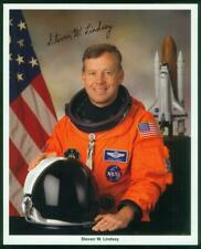 NASA, 8x10 photo, Signed-Autographed by Astronaut Steven W. Lindsey, Atlantis