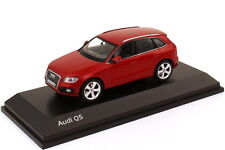 1:43 AUDI q5 Facelift 2012 VULKANROT ROSSO RED-Dealer-Edition-OEM - SCHUCO