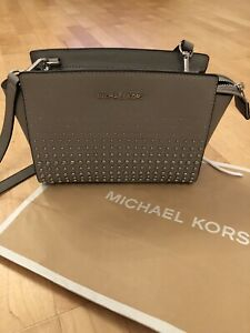 Michael Kors Crossbody Bag Grey