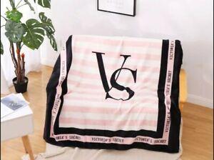 Victoria Secret PINK Fleece Throw Blanket New In package!