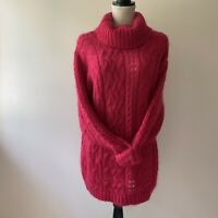Vintage express mohair chunky Cable Knit Sweater.  Sz Small