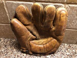 Vintage Leather Split Finger Baseball Glove | US 1945 | Soft Leather