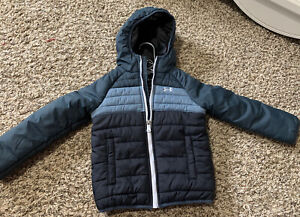 Under Armor  YOUTH Boys Jacket Size 4T Loose Cold Gear Quilted