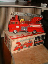 BANDAI 4373 TIN KING SIZE BATTERY OPERATED FIRE ENGINE. 100% OPERATIONAL W/BOX!