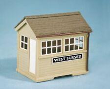 Wills SS29 Wooden Ground Level Signal Box 00 Gauge=1/76th Plastic Kit - 1st Post