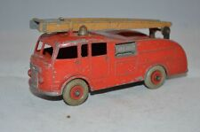 Dinky Toys 555 Fire Engine in good condition