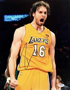 Pau Gasol Signed 16x20 Photo *Lakers* PSA AI80377