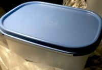 TUPPERWARE NEW VINTAGE MODULAR MATES CONTAINER #1791/ 3-1/2 Cup w/ SKY Blue Seal