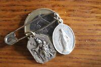 Lot 2 Vintage Catholic Médaille  Sacred Heart Virgin Mary 2.1 x 1.3 cm