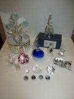 Konvolut 16 schöne Kristallfiguren Katze Vögel Blumen Glocke 1 x Swarovski Maus