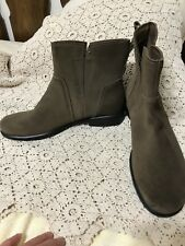 New ECCO Touch 25 Womens 10 10.5 (41 EUR) Brown Oil Suede Pull-On Ankle Boots