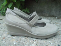 Easy Spirit Antigravity Light Beige Padded Wedge Mary Jane Shoes, Womens size 8M