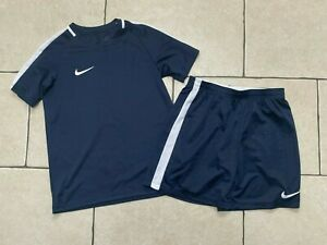 NIKE BOYS NAVY BLUE FOOTBALL KIT OUTFIT SET TOP & SHORTS 10-12 YEARS DRI FIT
