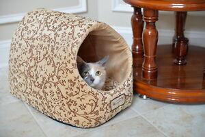 Armarkat Soft Flower Beige Velvet Hooded Cat Kitten Pet Cave Hut Bed Washable