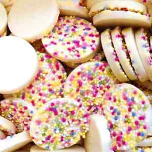 LARGE WHITE CHOCOLATE DISCS SWEETS ideal for party bags, wedding, christening,