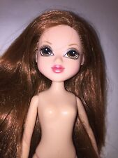 moxie girls doll  nude with bare feet