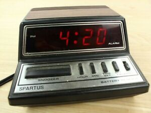 vtg Spartus model 1104 alarm clock LED retro red fake wood futuristic works!