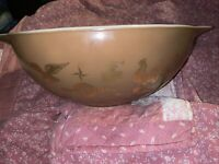 Vintage Pyrex Early American Brown Gold Eagle 4QT Chip Mixing Bowl 444 Near Mint