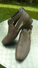 Clarks Narrative taupe shoes/boots size UK6 (C22)
