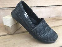 Bobs Skechers Womens Black Dark Gray Pattern Memory Foam Flat Loafer Shoe Sz 5.5