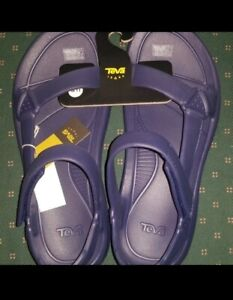 teva sandals mens 11 hurricane sandals  new with tags