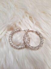 Damen Creolen Ohrringe mit Strasssteinchen Silberfarbe