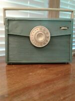 RCA Victor Aqua Portable Radio Model 1-BX-59 For Parts Or Restoration