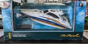 New Bright R/C Sea Ray 48 Sundancer No. 7185 Remote Control Boat Factory Sealed