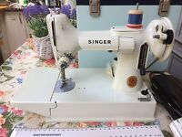 VINTAGE SINGER 221 K WHITE FEATHERWEIGHT SEWING MACHINE IN CASE
