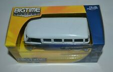 BIGTIME KUSTOMS 1962 VOLKSWAGEN BUS BLUE & WHITE 1:32