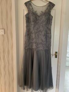 gina bacconi dress size 18 - BNWT
