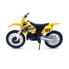 Maisto Suzuki RM 250 Dirt Bike Die Cast 1:18 Scale Replica Motorcycle