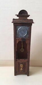 Antike Stand Uhr mit Messingverzierung