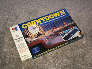 COUNTDOWN : TV GAME SHOW 1983 VINTAGE EDITION BY MB GAMES - IN VGC (FREE UK P&P)