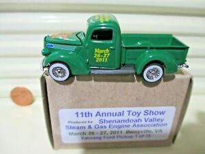 YATMING 2011 SHENANDOAH STEAM & GAS ENGINE ASSN. 11th TOY SHOW FORD PICKUP MIB*