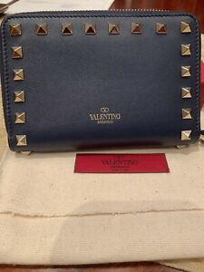 VALENTINO GARAVANI Zip Around Wallet NEW