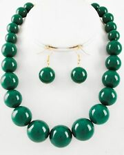 GREEN LUCITE BEAD GRADUAL NECKLACE EARRING