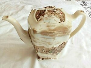 TEA POT MADE IN  ENGLAND HAND PAINTED VIEW OF THE COUNTRY SIDE OLD