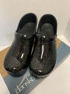 Dansko Women's Professional Clog Silver/Black Crisscross Sz 38 606-910202