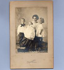 Vintage Photograph FAMILY Duncan Studio Springfield Missouri CABINET CARD