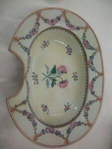 Porcelaine De Chine Plat A Barbe Fait Pour L'export Fin XvIII Ou Début XIX