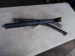 RENAULT KANGOO LEFT SLIDING DOOR RAILS X76 08/04-09/10